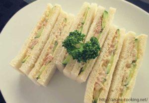 ツナとキュウリのサンドイッチ