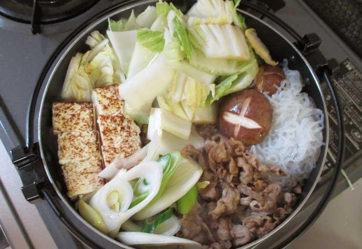 すき焼きと白菜