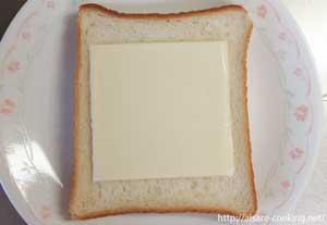 食パンとチーズ
